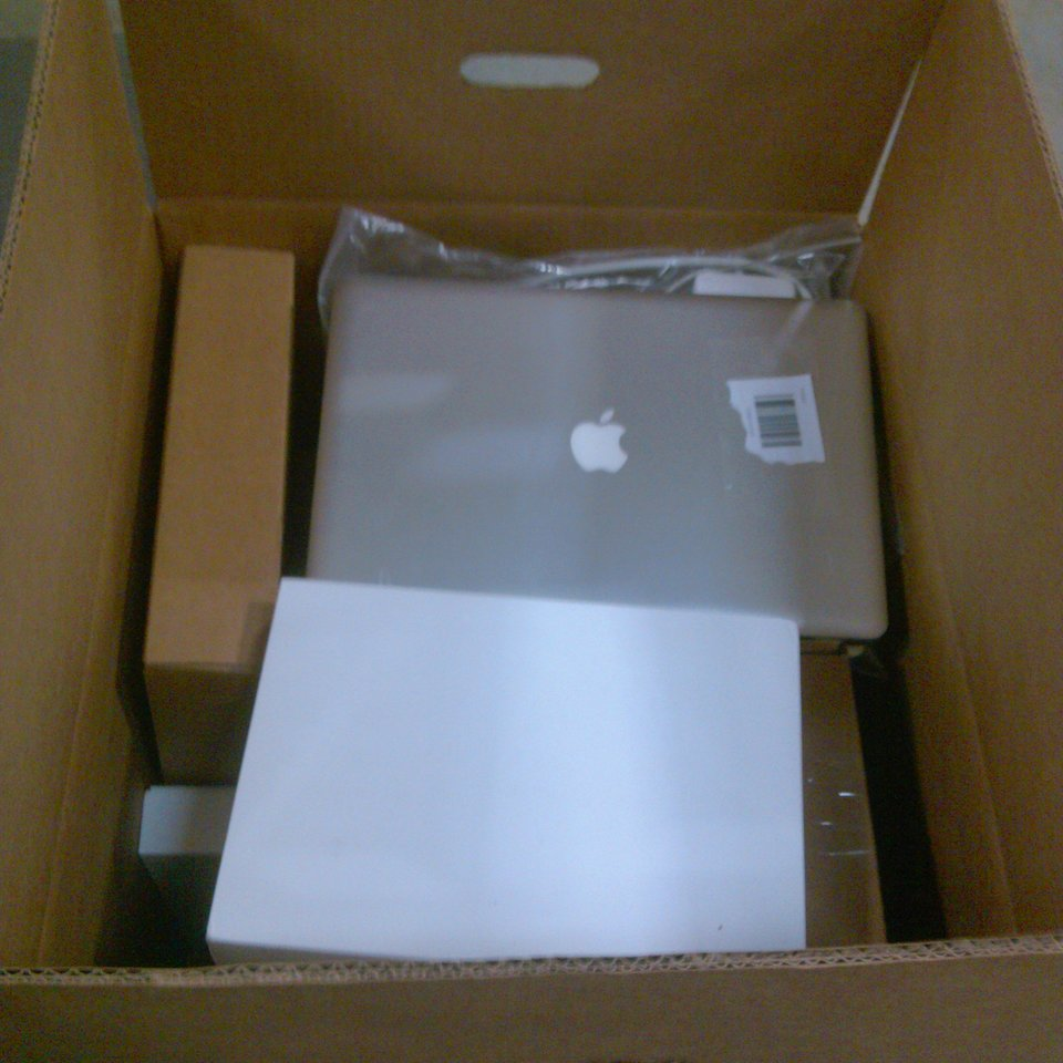 Apple Laptops, Tablets, Watches Lot