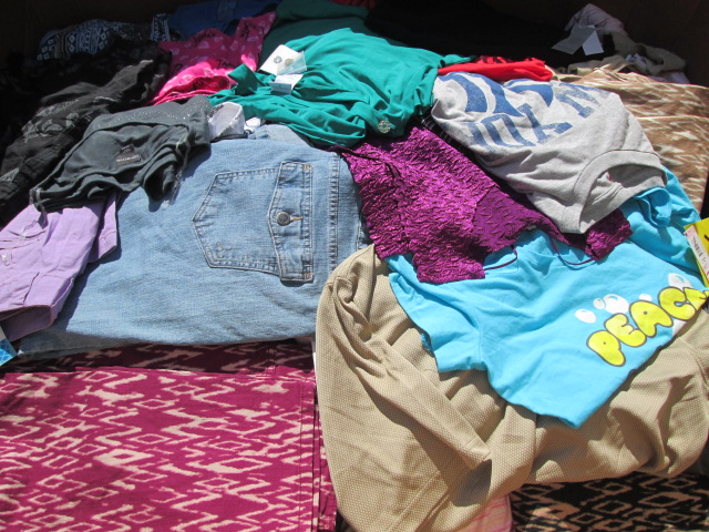 Assorted Wholesale Clothing Pallets SRS /KMT