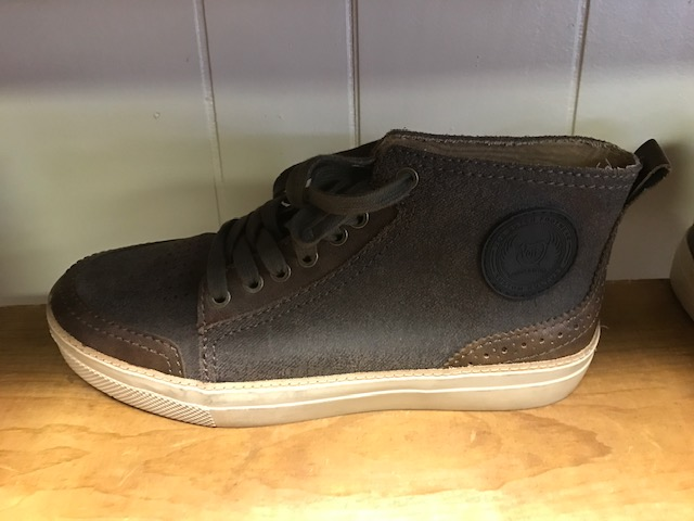 Brand New Von Dutch Sneakers - Boots Wholesale