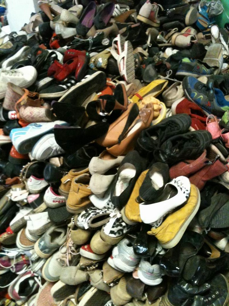 additional/Lot1_UsedGradeAShoes.jpg