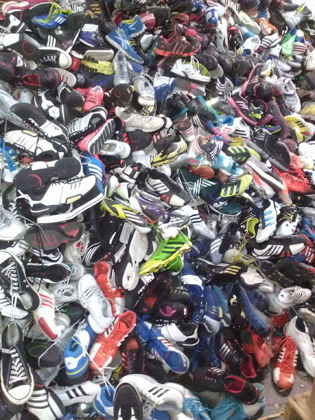additional/Lot3_UsedLotSneakers1.jpg