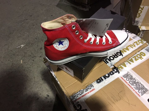 additional/WholesaleChuckTaylorConverse1.JPG